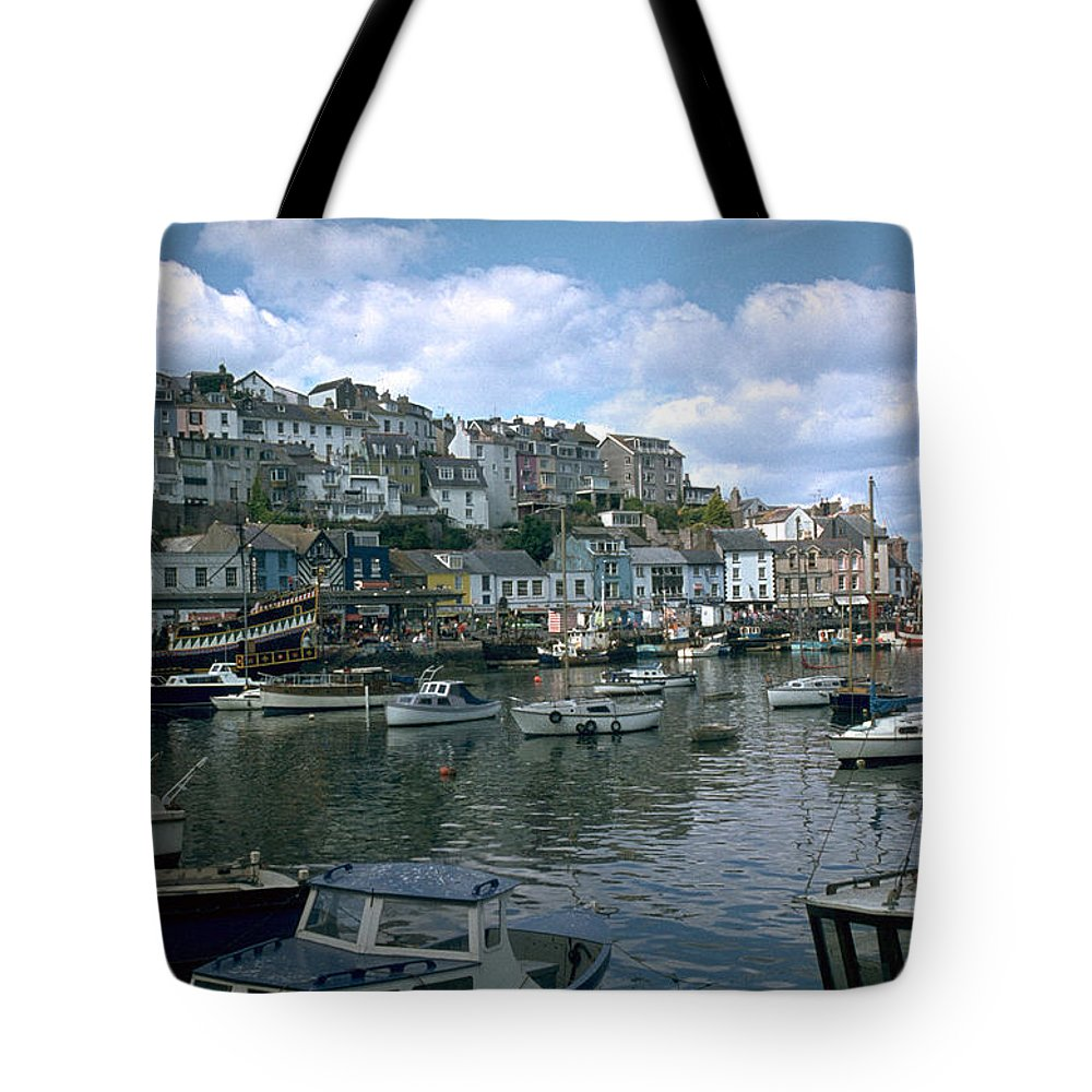 Great Britain Tote Bag featuring the photograph Harbor by Flavia Westerwelle