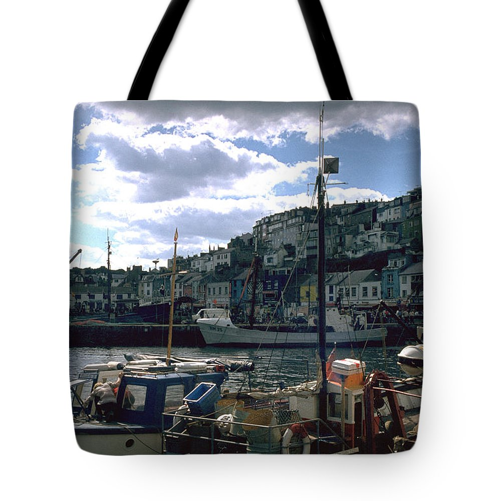 Great Britain Tote Bag featuring the photograph Harbor II by Flavia Westerwelle