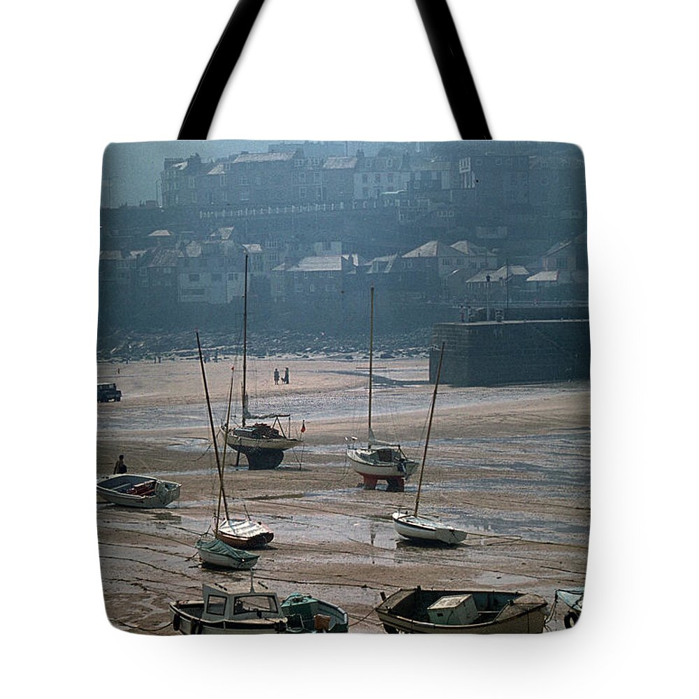Great Britain Tote Bag featuring the photograph Harbor IIi by Flavia Westerwelle