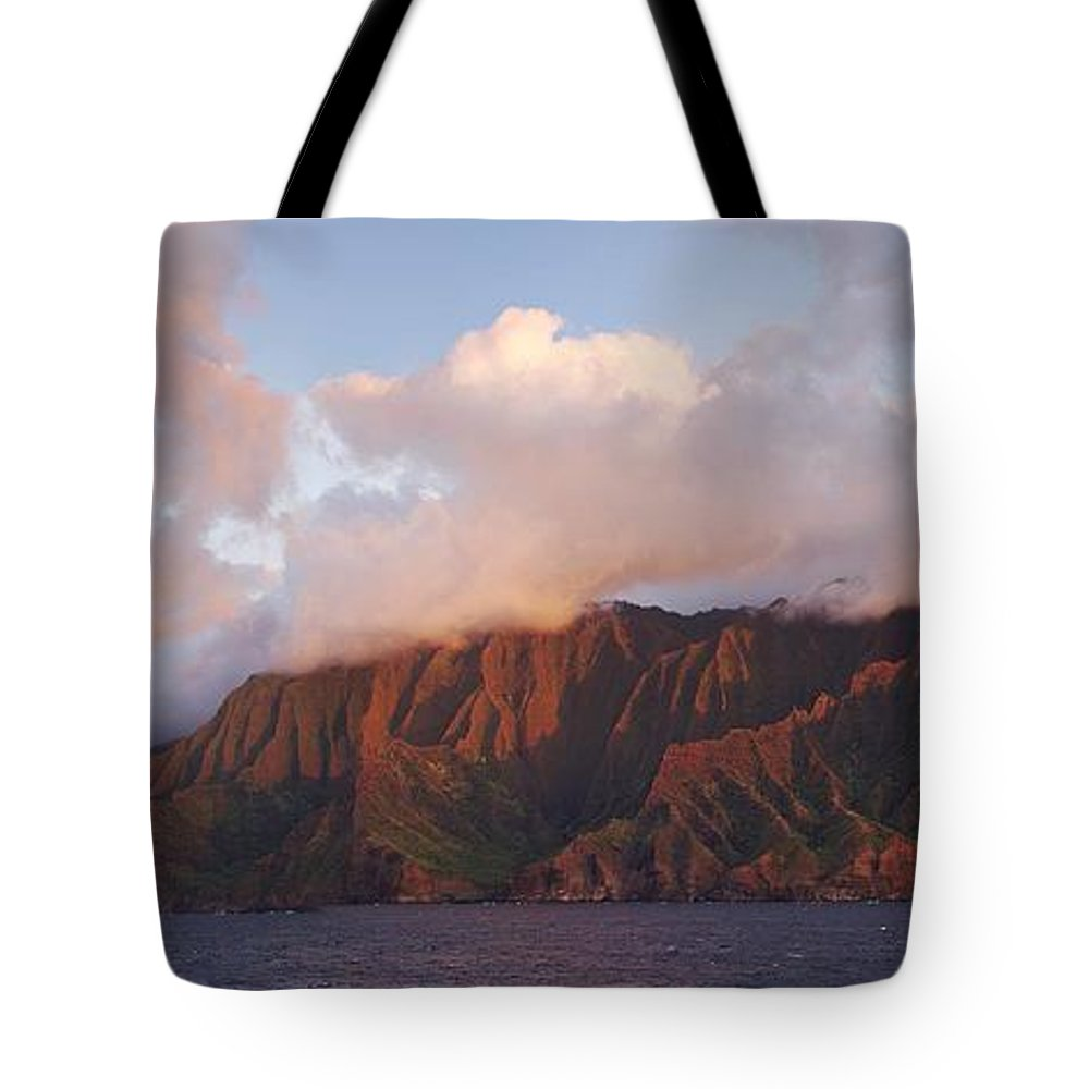 Hawaii Tote Bag featuring the photograph Hawaii by Heather Coen