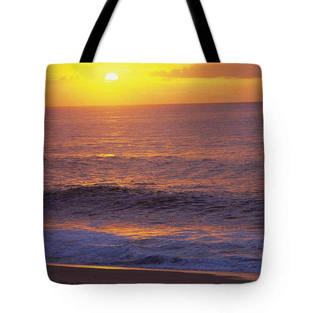 Ali O Neal Tote Bag featuring the photograph Hawaii Sunset by Ali ONeal - Printscapes