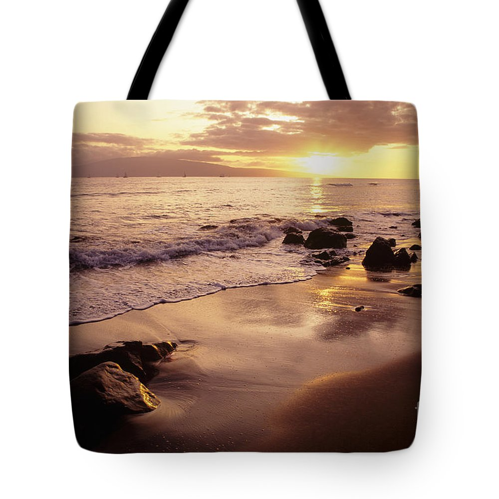 Beach Tote Bag featuring the photograph Hawaii Sunset by Dana Edmunds - Printscapes