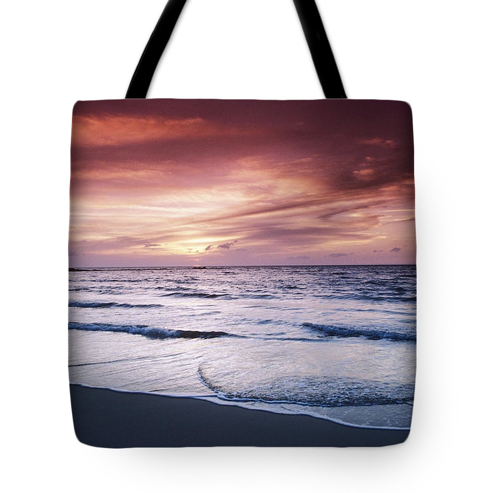 Beach Tote Bag featuring the photograph Hawaii Sunset by Greg Vaughn - Printscapes