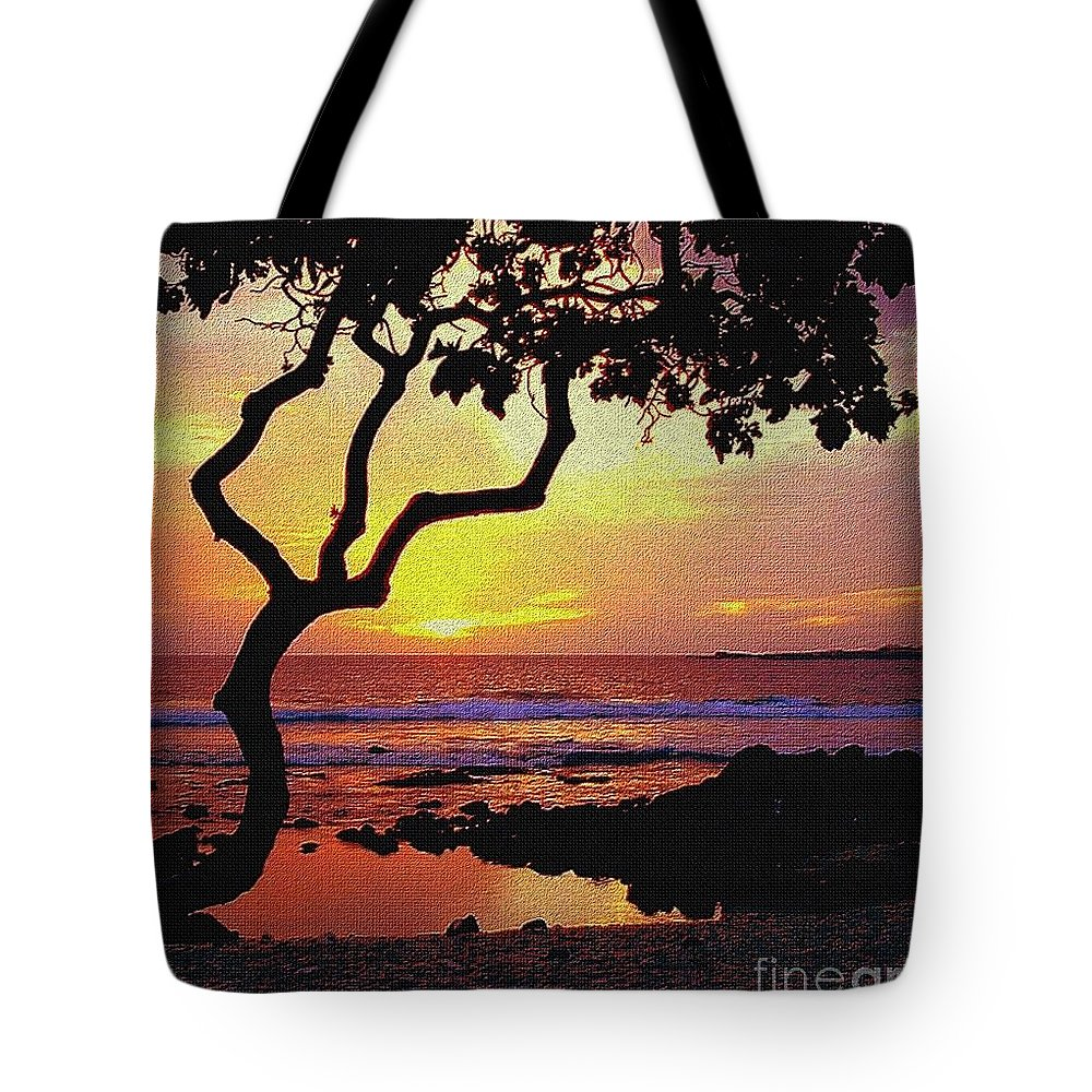 Seacape Tote Bag featuring the photograph Hawaiian Sunset by D Nigon