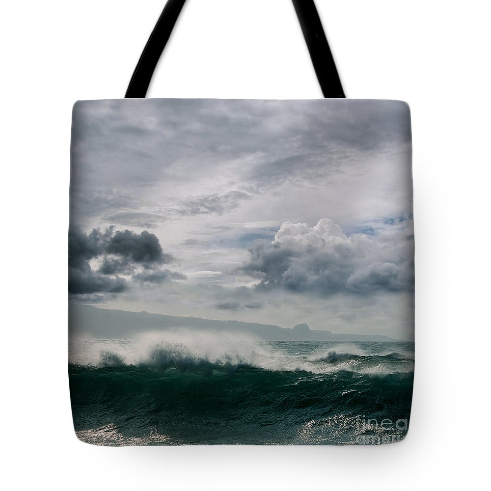 Aloha Tote Bag featuring the photograph He Inoa Wehi No Hookipa by Sharon Mau