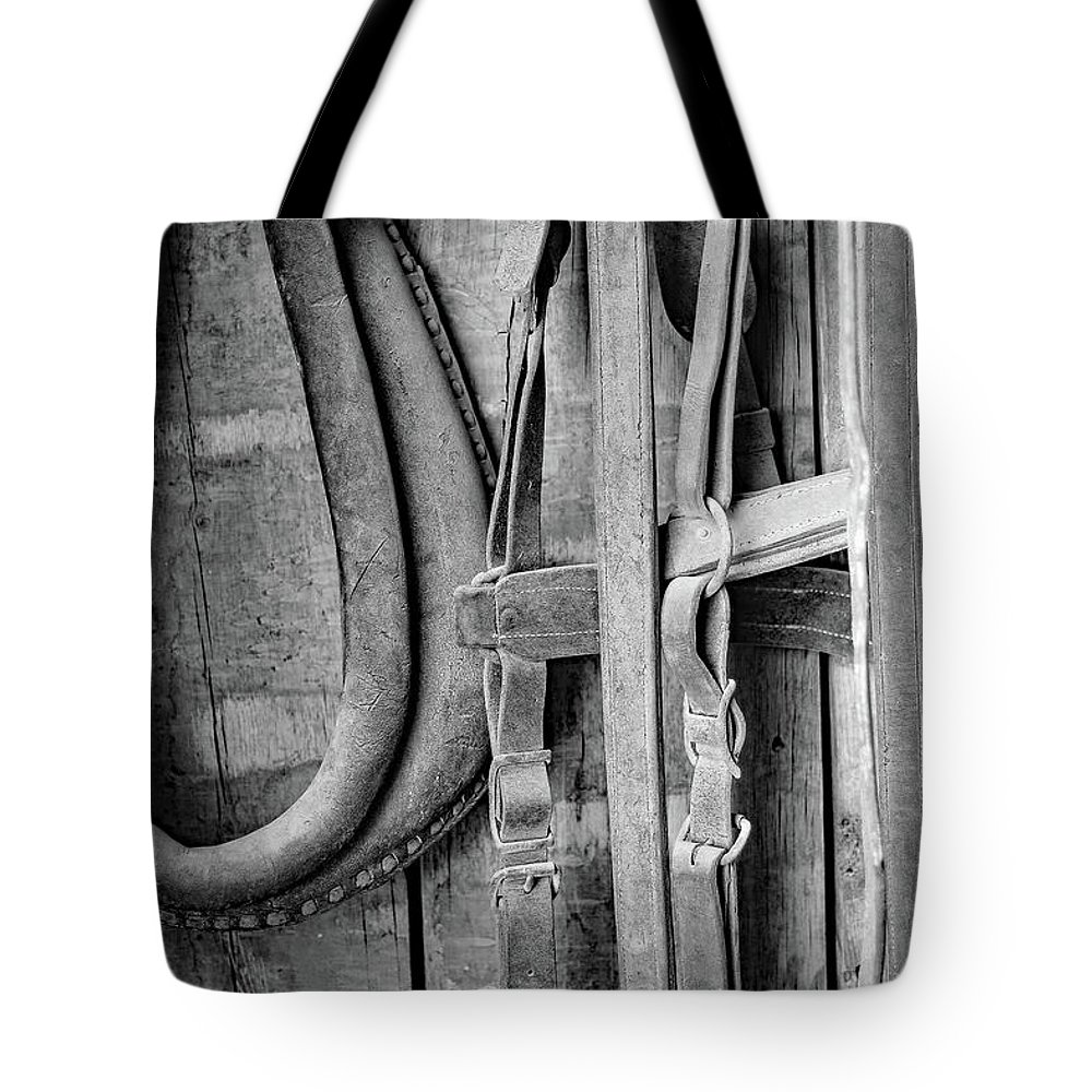 Harness Tote Bag featuring the photograph Heartland by Martina Schneeberg-Chrisien