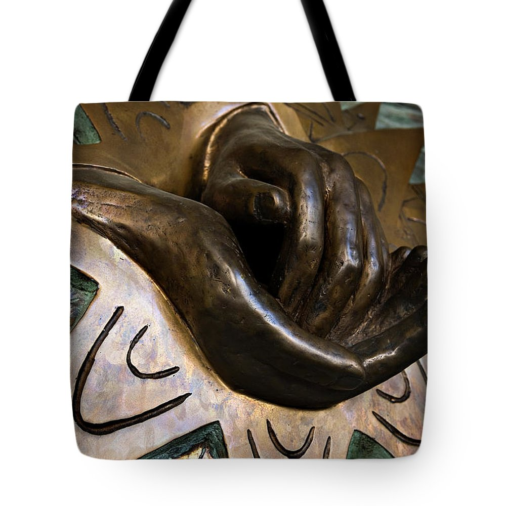 Italy Tote Bag featuring the photograph Helping Hands by Marilyn Hunt