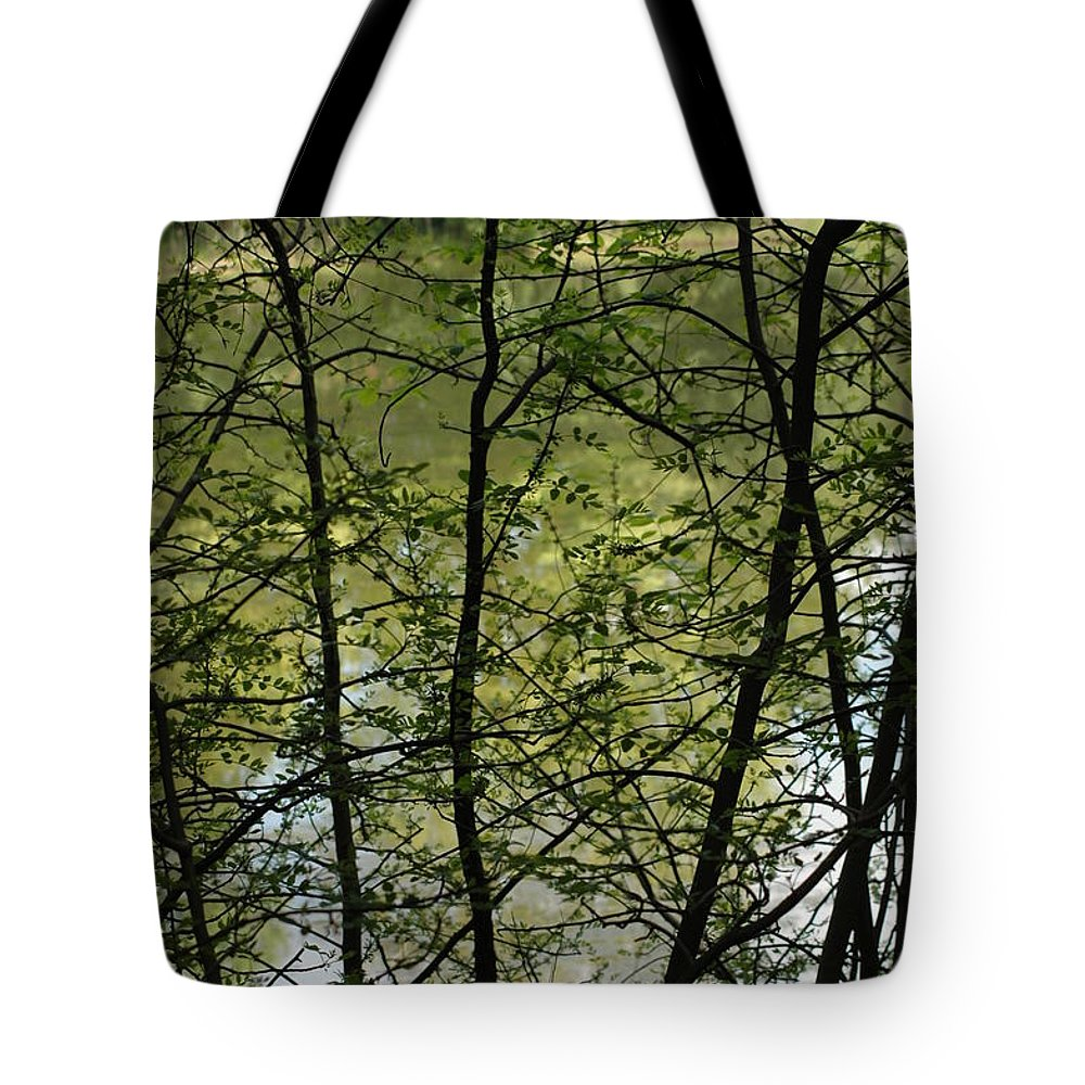 Usa Tote Bag featuring the photograph Hidden Pond Natural Fence by LeeAnn McLaneGoetz McLaneGoetzStudioLLCcom