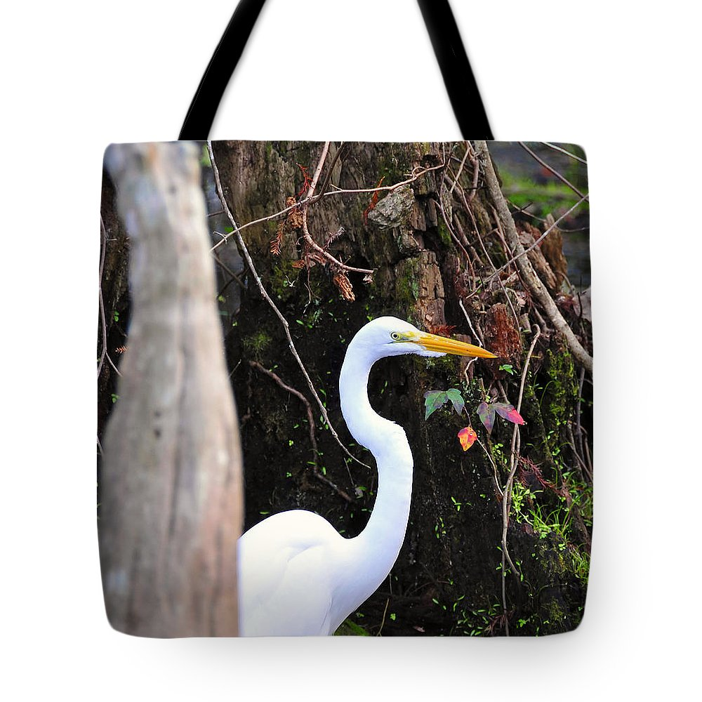 Egret Tote Bag featuring the photograph Hiding Egret by David Lee Thompson