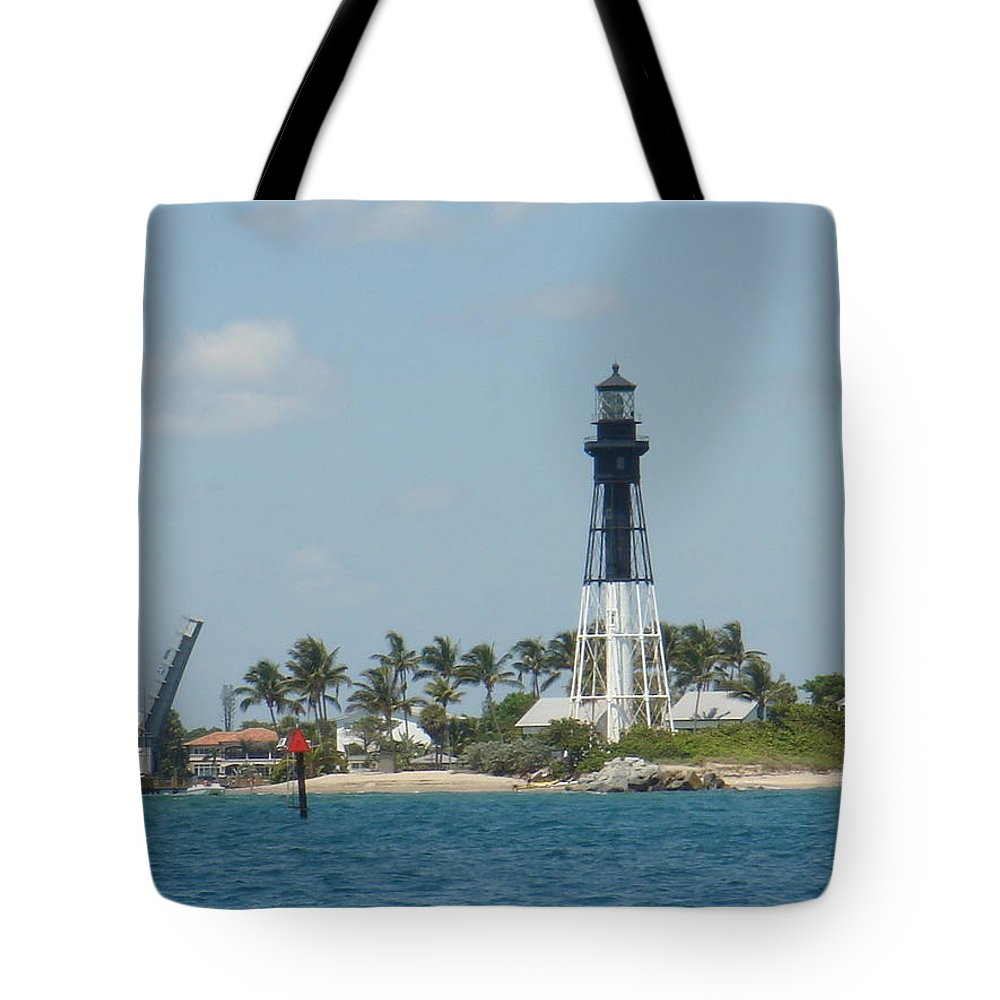 Lighthouse Tote Bag featuring the photograph Hillsborough Light by Donna Walsh
