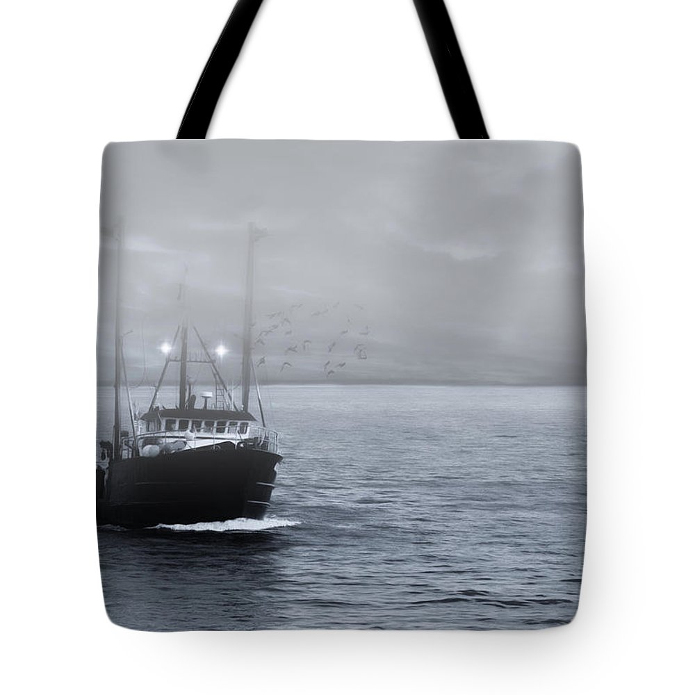Fishing Tote Bag featuring the photograph Homeward Bound by Robin-Lee Vieira