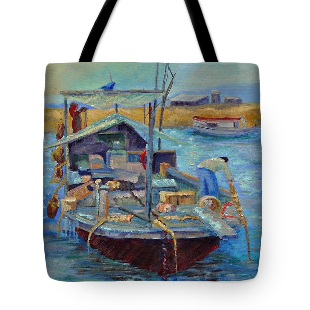Hong Kong Harbor Tote Bag featuring the painting Hong Kong Junque by Ginger Concepcion