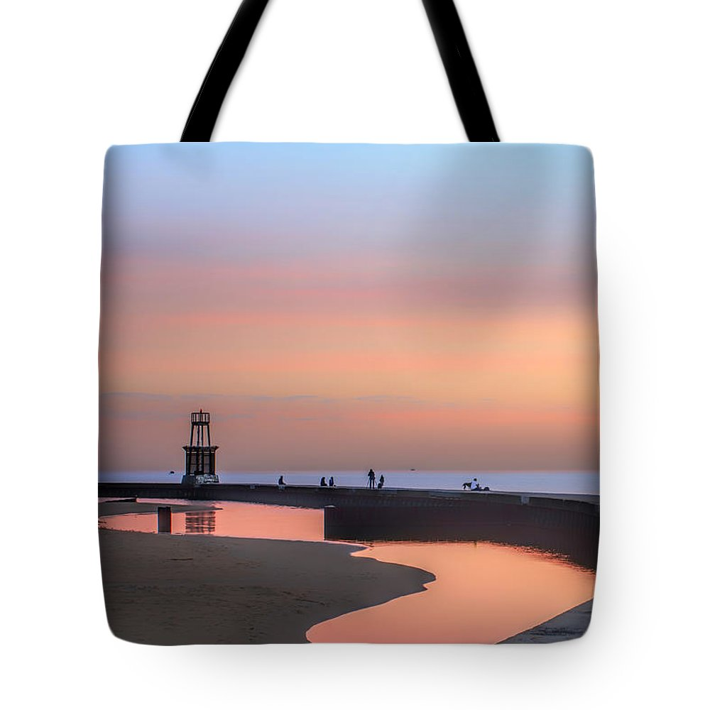 Dawn Tote Bag featuring the photograph Hook Pier Lighthouse - Chicago by Nikolyn McDonald