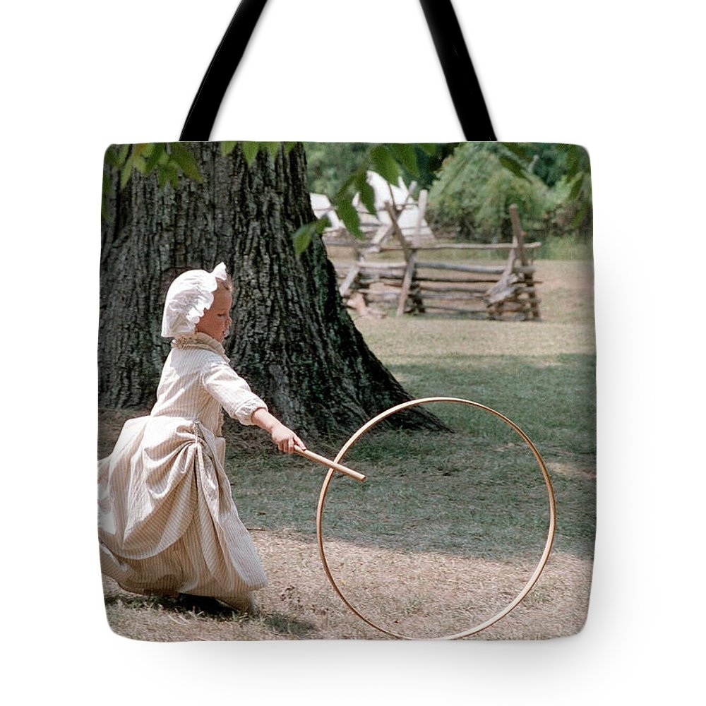 Hoop Tote Bag featuring the photograph Hoop by Flavia Westerwelle