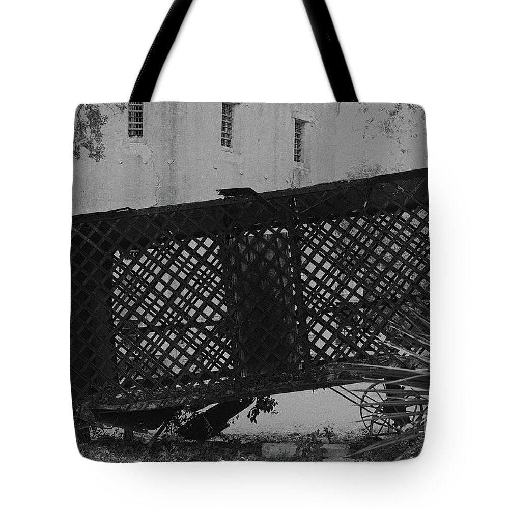 Horse Drawn Paddy Wagon Tote Bag featuring the photograph Horse Drawn Paddy Wagon by Dale Powell