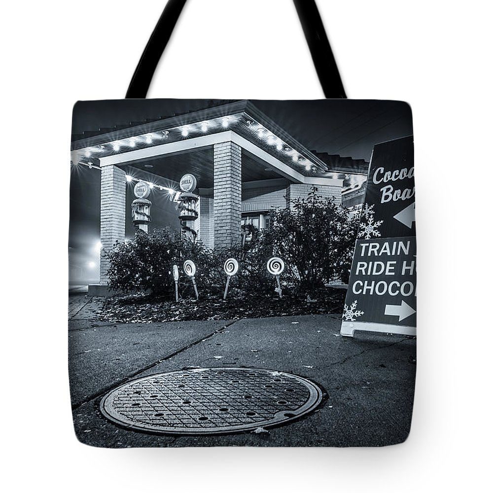 Lebanon Ohio Tote Bag featuring the photograph Hot Hot Hot Chocolate by Andrew Johnson