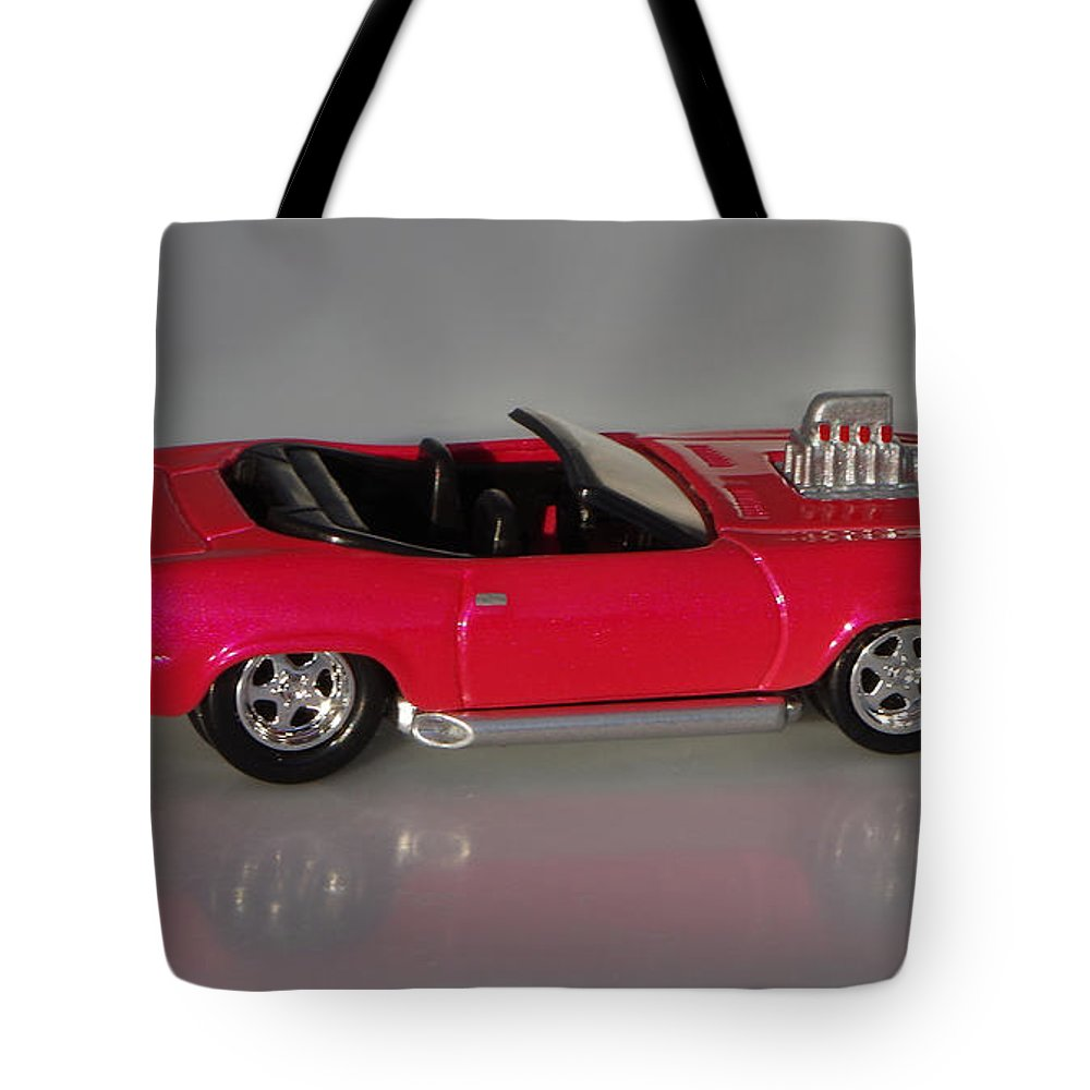 Hotwheels Tote Bag featuring the photograph Hot Pink Barracuda by Bruce Roker