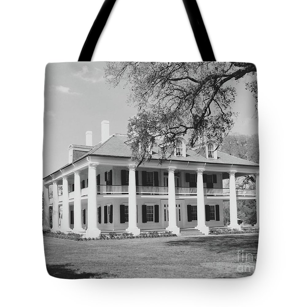 Plantation Homes Tote Bag featuring the photograph Houmas House by Michelle Powell