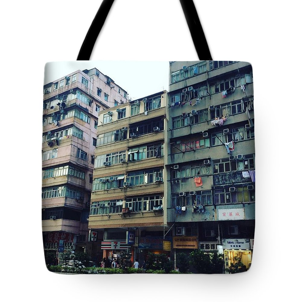 Hongkong Tote Bag featuring the photograph Houses Of Kowloon by Florian Wentsch