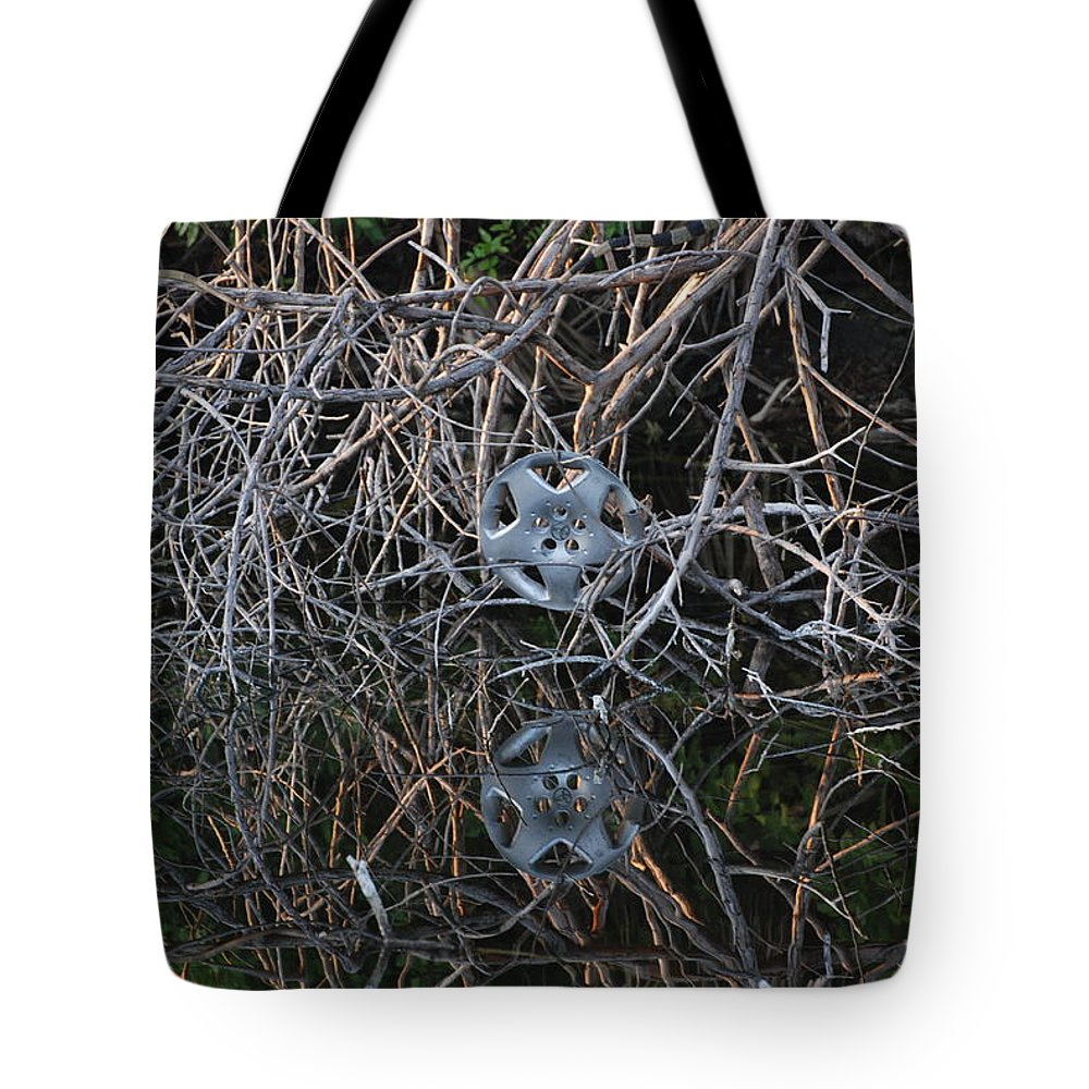 Hub Cap Tote Bag featuring the photograph Hub In Reflection by Rob Hans