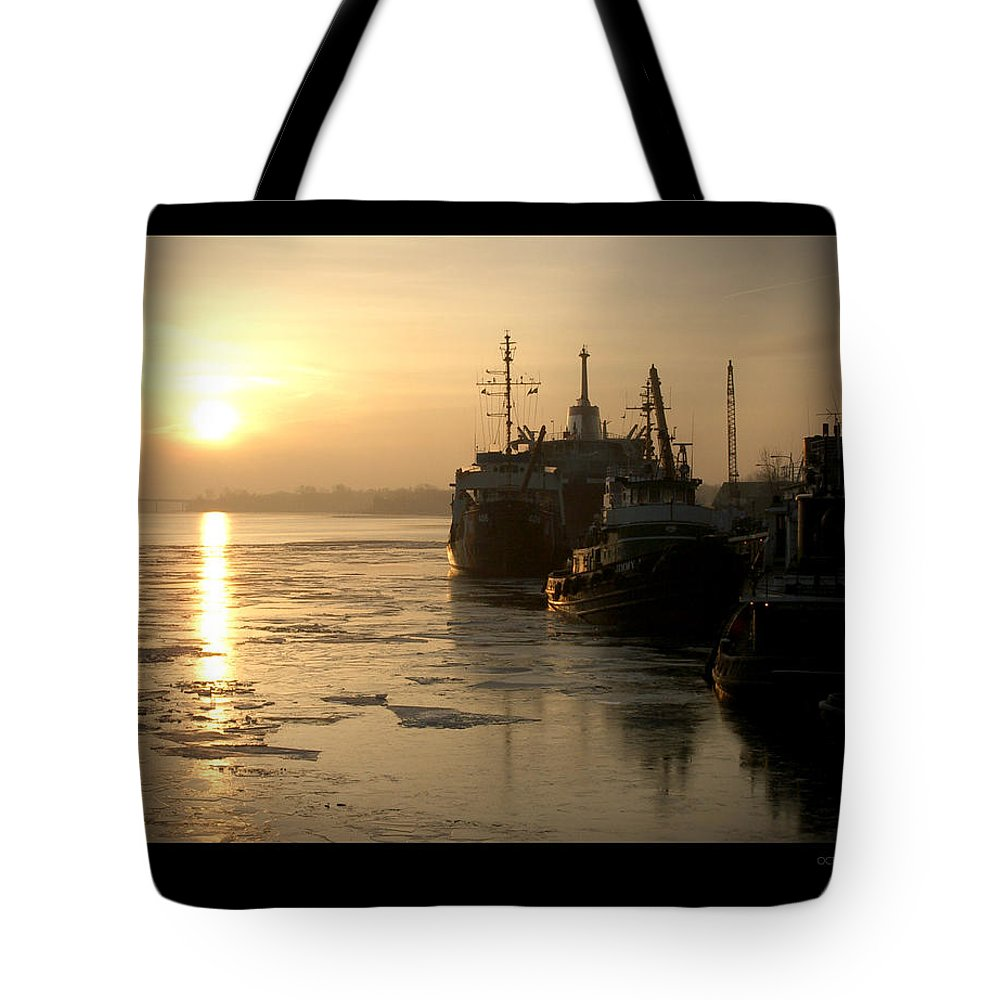 Boat Tote Bag featuring the photograph Huddled Boats by Tim Nyberg