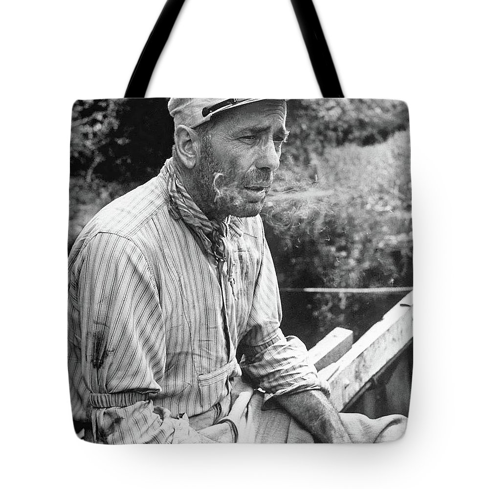 Humphrey bogart as boat navigator charlie allnut in the african queen 2 1951 tote bag