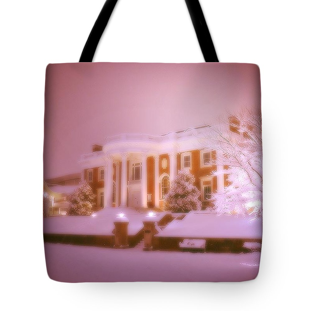Tote Bag featuring the photograph Hunter Museum Glow by Roland Millsaps