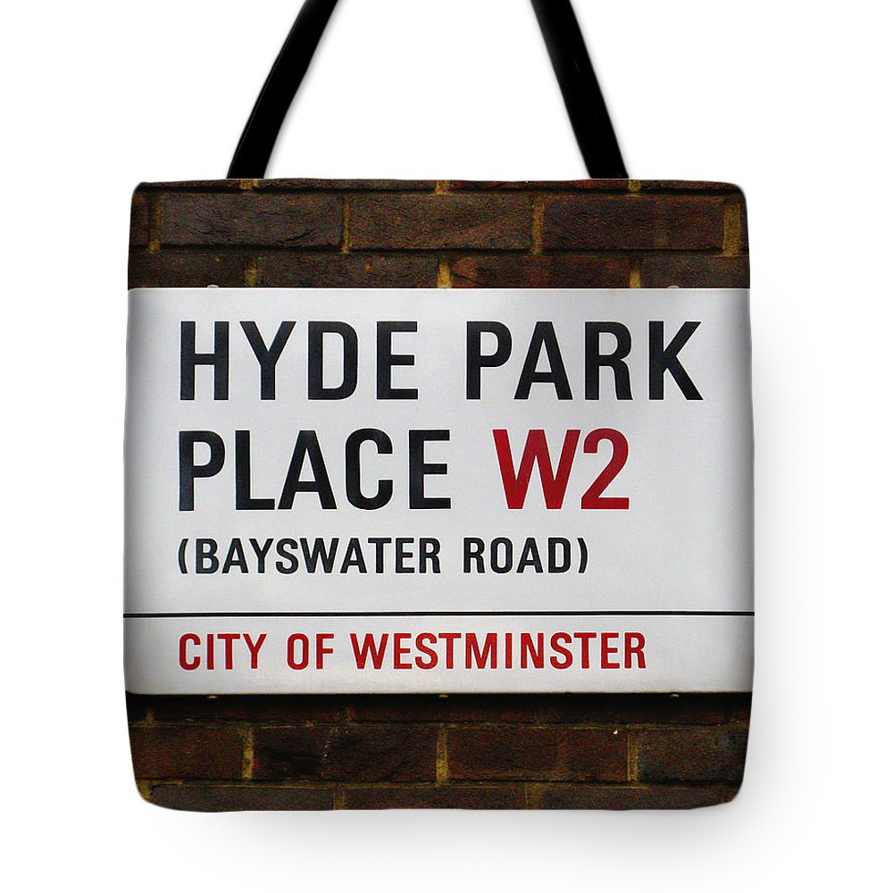 London Tote Bag featuring the photograph Hyde Park Place by Osvaldo Hamer
