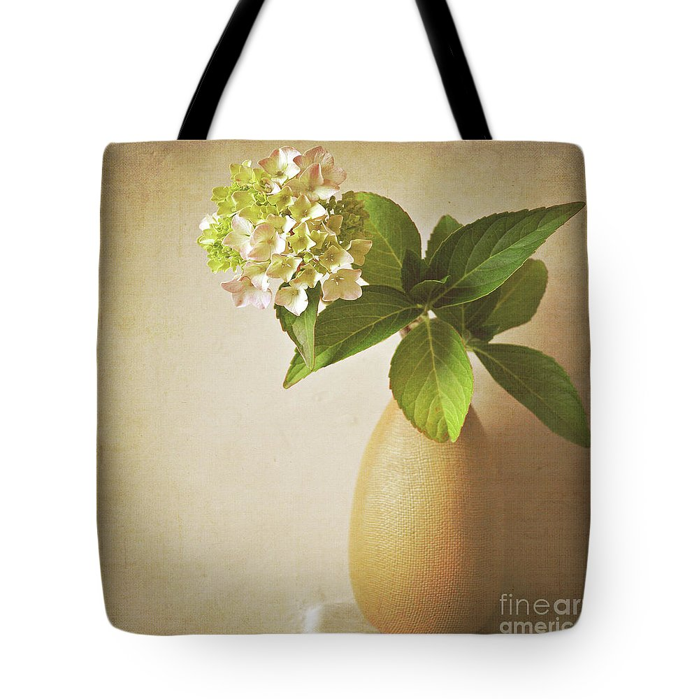 Hydrangea Tote Bag featuring the photograph Hydrangea With Leaves by Lyn Randle