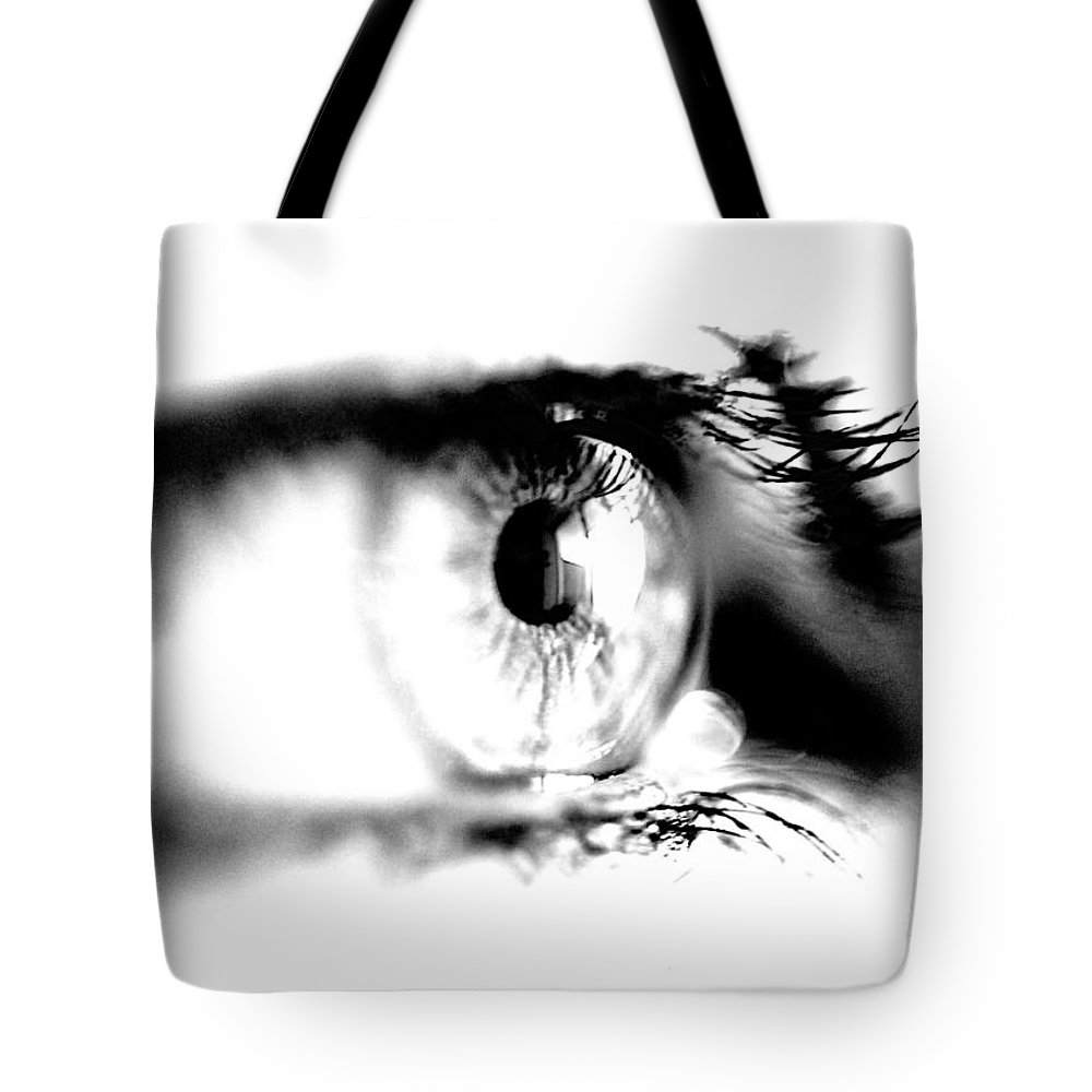 Eye Tote Bag featuring the photograph I C U by Robert Skuja
