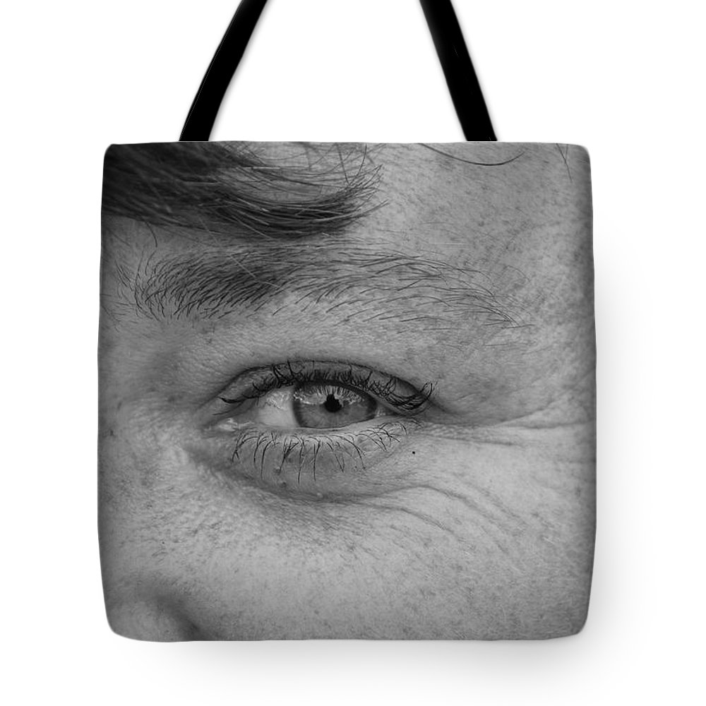 Black And White Tote Bag featuring the photograph I See You by Rob Hans