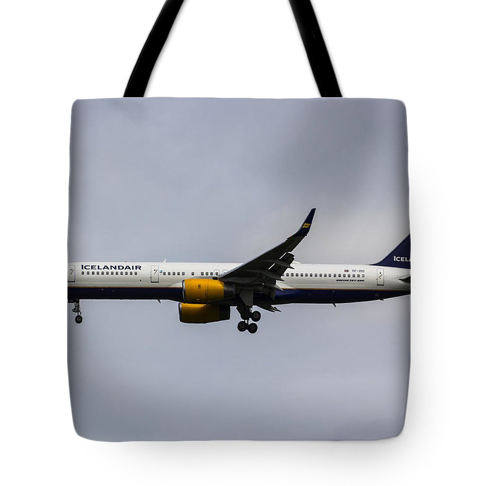 Iceland Tote Bag featuring the photograph Icelandair Boeing 757 by David Pyatt