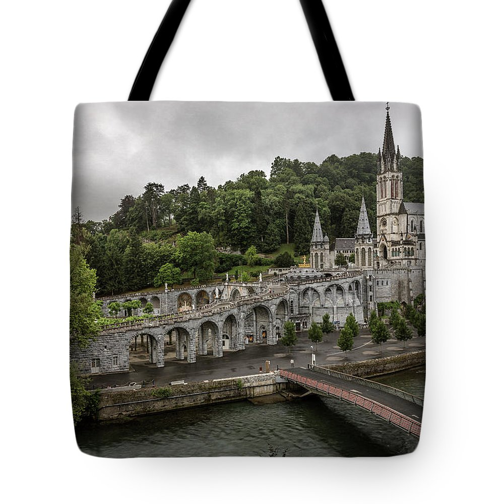 Basilica Tote Bag featuring the photograph Immaculate Conception And Rosary Basilica by Everet Regal