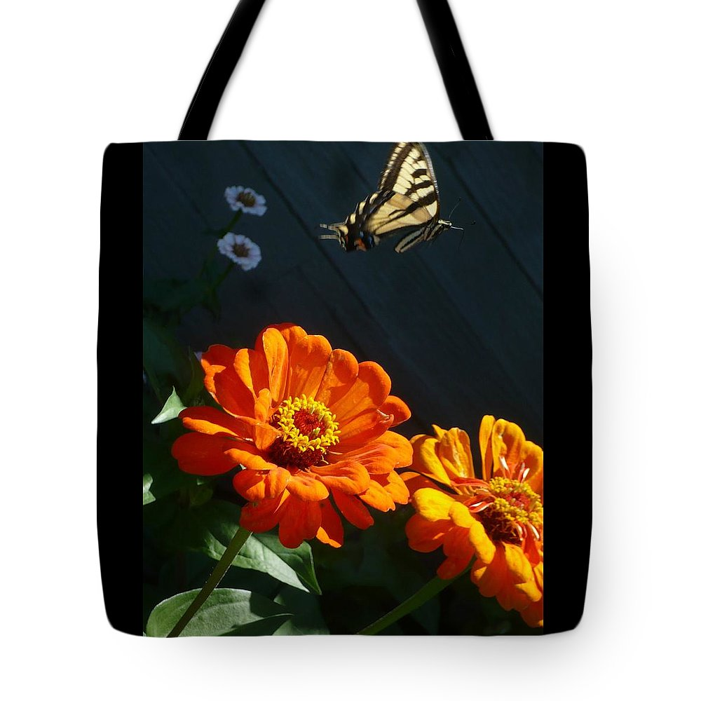 Butterfly Tote Bag featuring the photograph In Flight by 'REA' Gallery