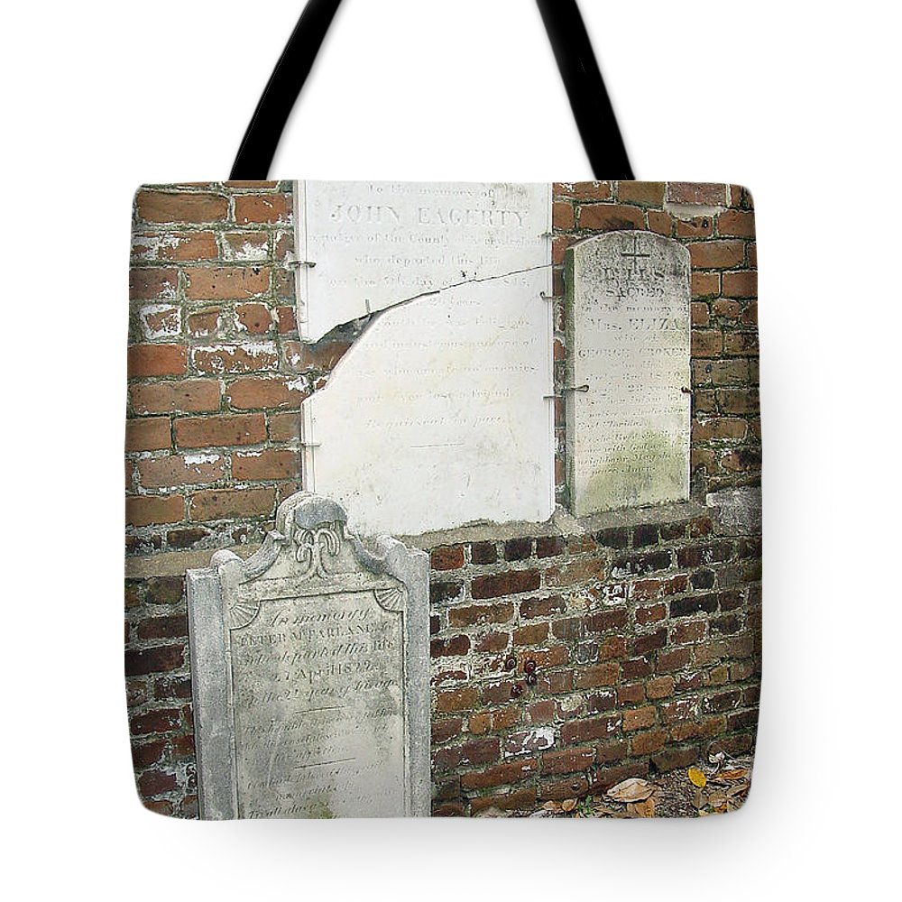 Lowcountry Tote Bag featuring the photograph In Memory Of Long Ago by Suzanne Gaff