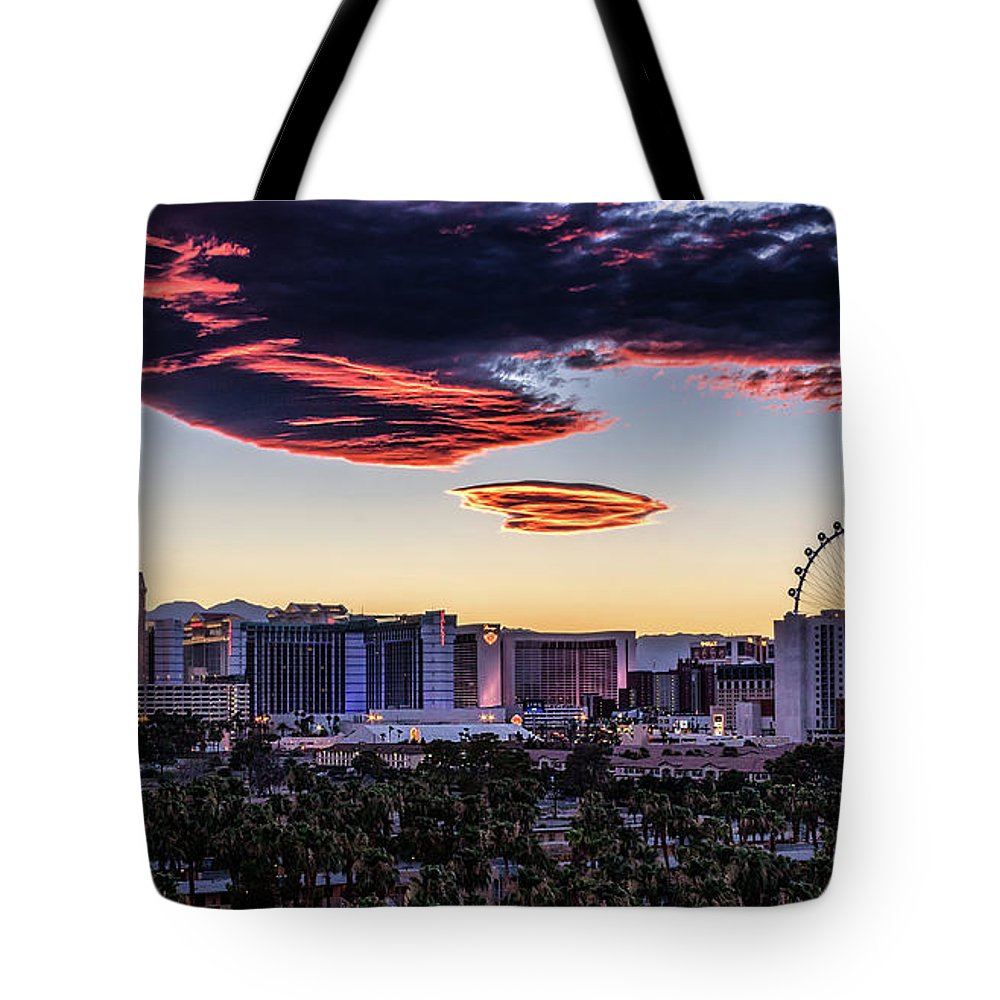 Tote Bag featuring the photograph Independence Day by Michael Rogers