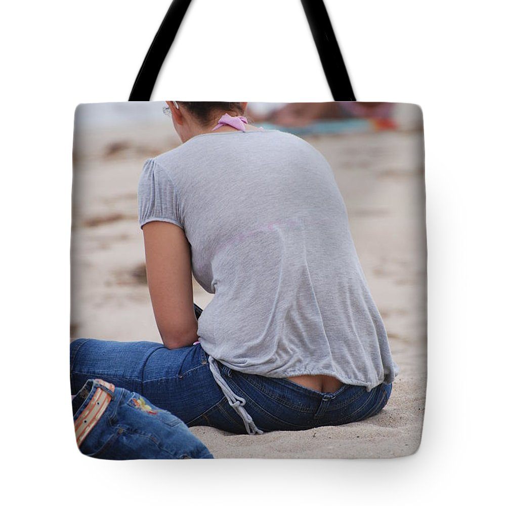 Girl Tote Bag featuring the photograph Indiana Girl by Rob Hans