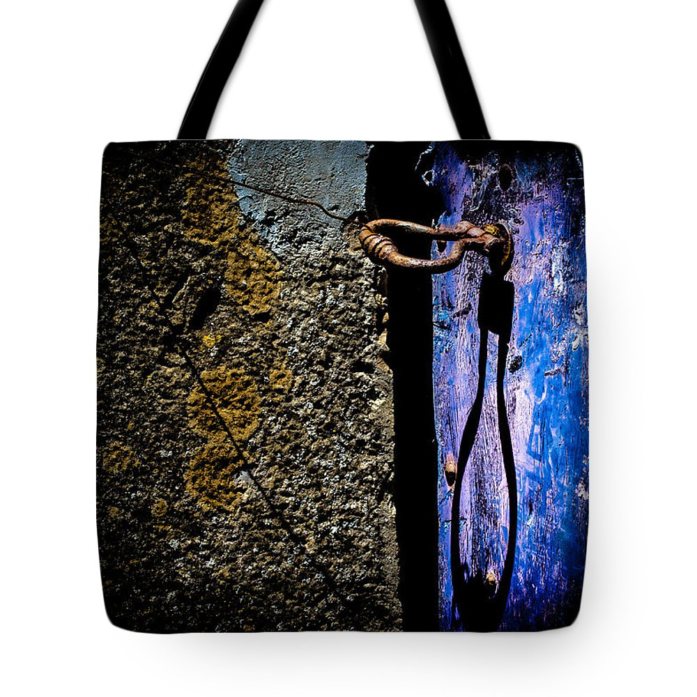 Blue Tote Bag featuring the photograph Inside by Edgar Laureano