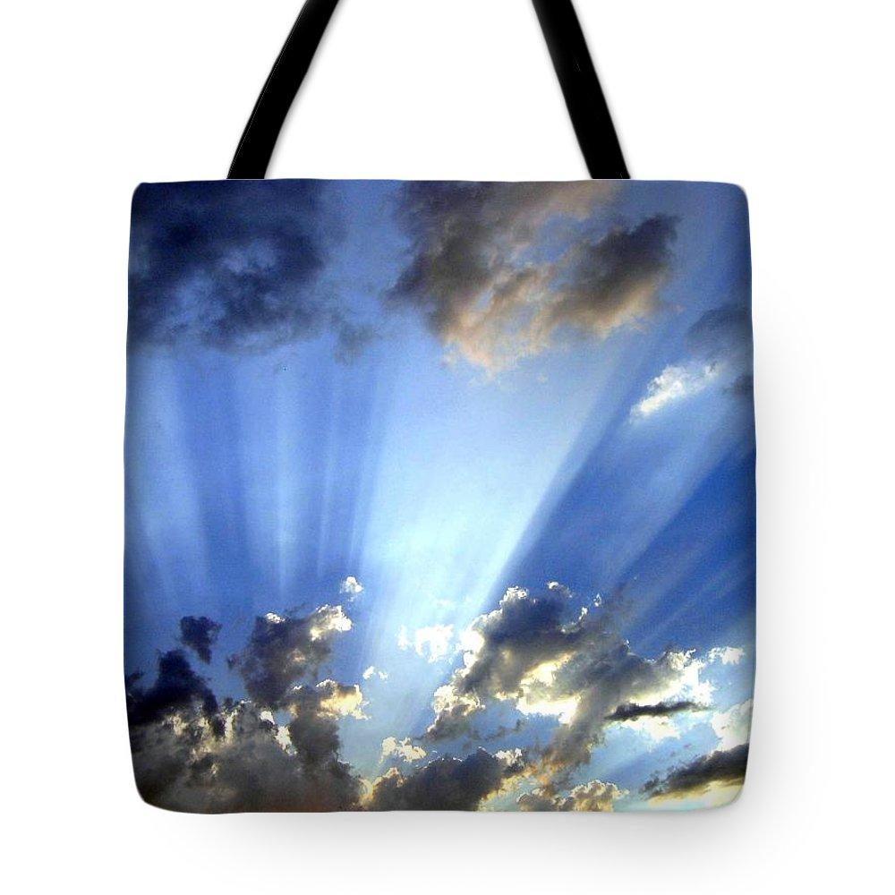 Sunburst Tote Bag featuring the photograph Inspiring Sunburst by Will Borden
