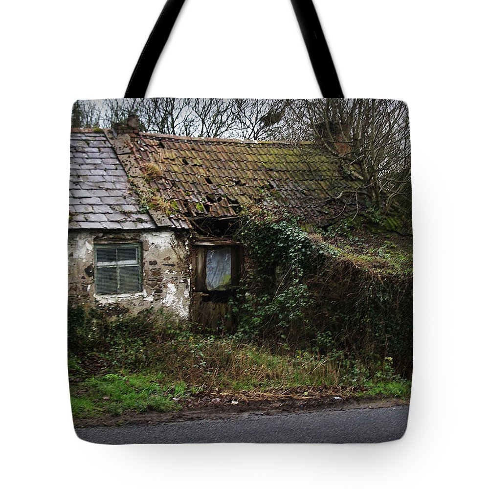 Hovel Tote Bag featuring the photograph Irish Hovel by Tim Nyberg