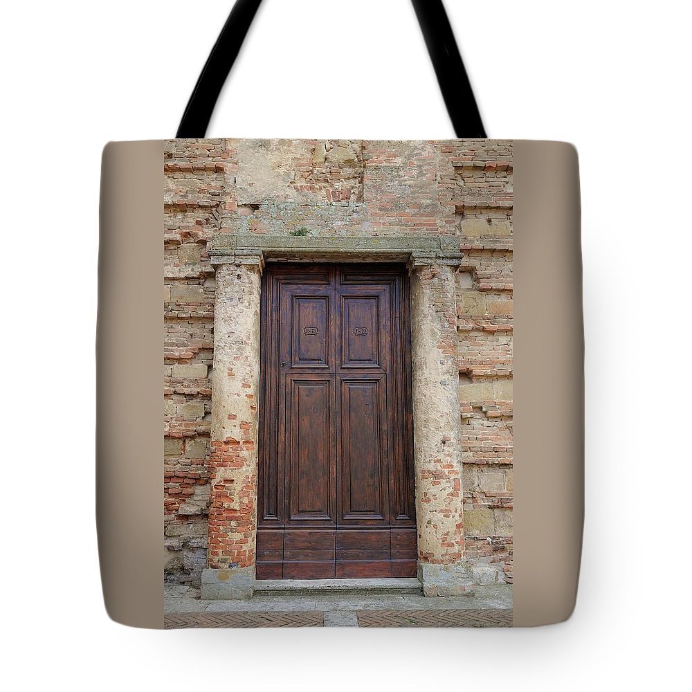 Europe Tote Bag featuring the photograph Italy - Door Nineteen by Jim Benest