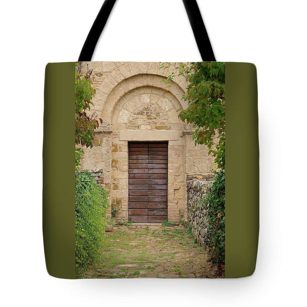 Italy Tote Bag featuring the photograph Italy - Door Twenty Five by Jim Benest