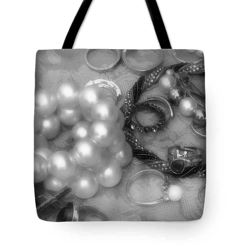 Jewelry Tote Bag featuring the photograph Jackdaw's Hoard by RC DeWinter
