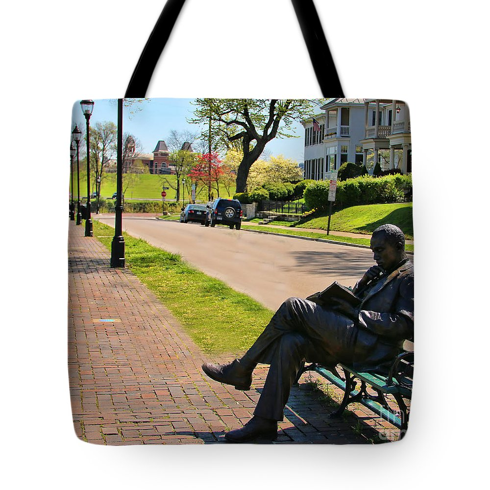 James Bradley Tote Bag featuring the photograph James Bradley Statue 4211 by Jack Schultz