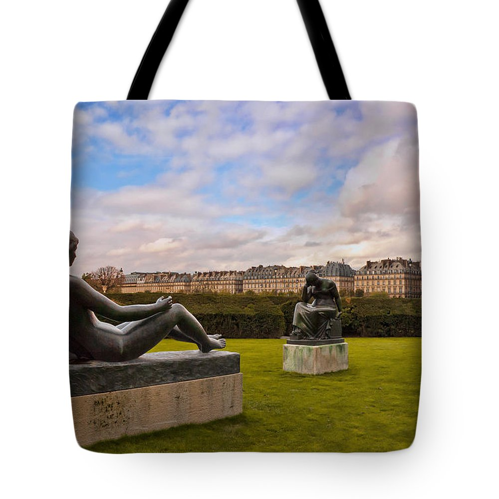 Jardin Des Tuileries Tote Bag featuring the photograph Jardin Des Tuileries by Mick Burkey