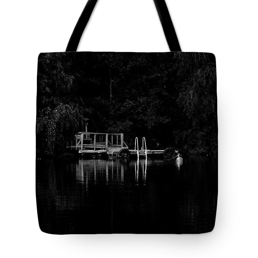 Jetty Tote Bag featuring the photograph Jetty by Jarmo Honkanen