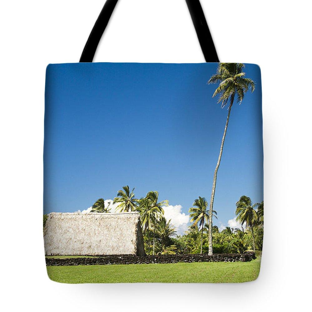 Kahanu Garden Tote Bag featuring the photograph Kahanu Garden Hana Maui Hawaii by Sharon Mau