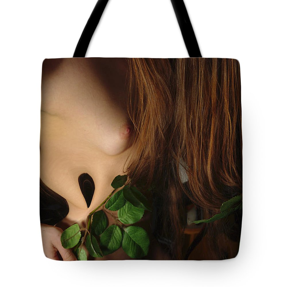 Female Nude Abstract Mirrors Flowers Tote Bag featuring the photograph Kazi0819 by Henry Butz