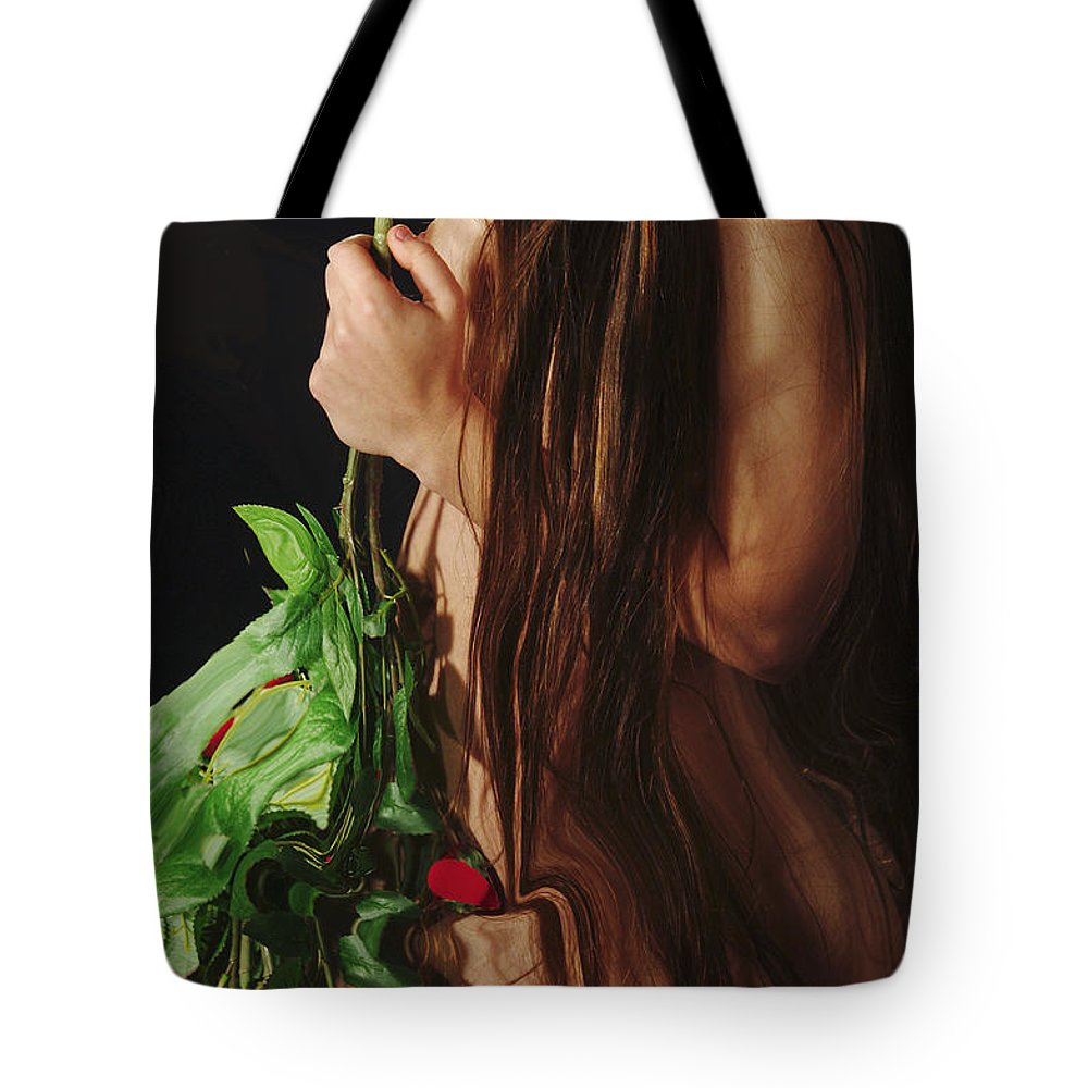 Female Nude Abstract Mirrors Flowers Tote Bag featuring the photograph Kazi1179 by Henry Butz