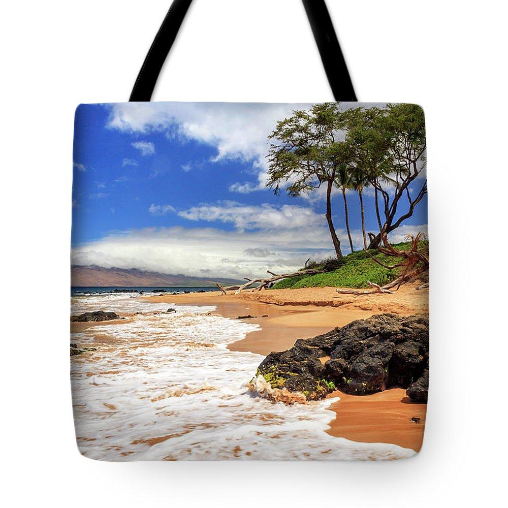 Keawakapu Tote Bag featuring the photograph Keawakapu Beach - Mokapu Beach by James Eddy